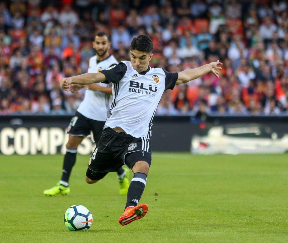 Góc tuyển trạch: Carlos Soler - 'Silva mới' được Mourinho thèm khát là ai? - Bóng Đá