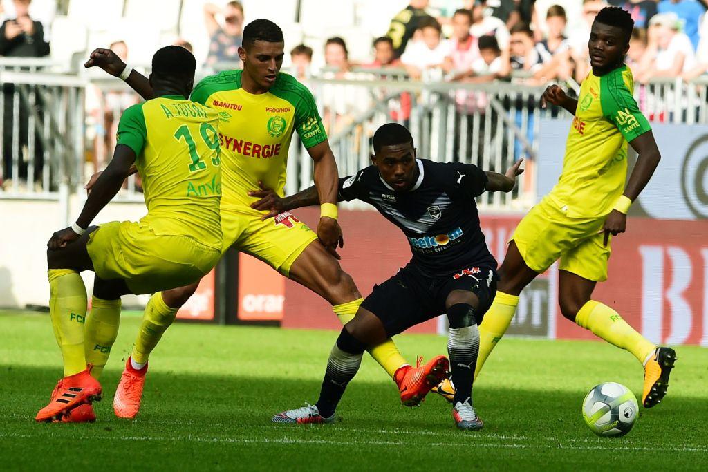 Arsenal đồng ý để Sanchez đến Man Utd với 1 điều kiện - Bóng Đá