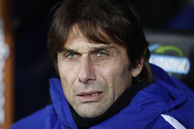 HLV Conte thừa nhận Chelsea không thể tranh mua Sanchez với Man City - Bóng Đá