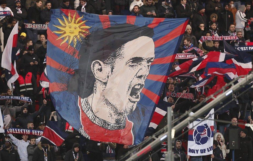Vì Cavani, Neymar giận dỗi ra mặt với fan PSG - Bóng Đá