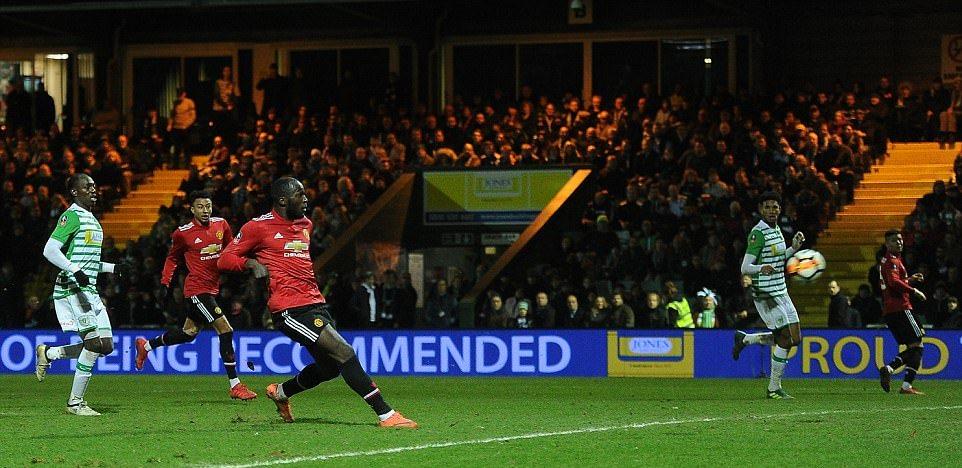 Sanchez ra mắt ấn tượng, Man Utd hủy diệt Yeovil Town - Bóng Đá