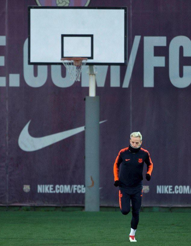 Valverde yêu cầu Luis Suarez cháy hết mình bất chấp thẻ phạt - Bóng Đá