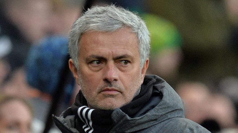 Man Utd giờ như một mớ hỗn độn - Bóng Đá
