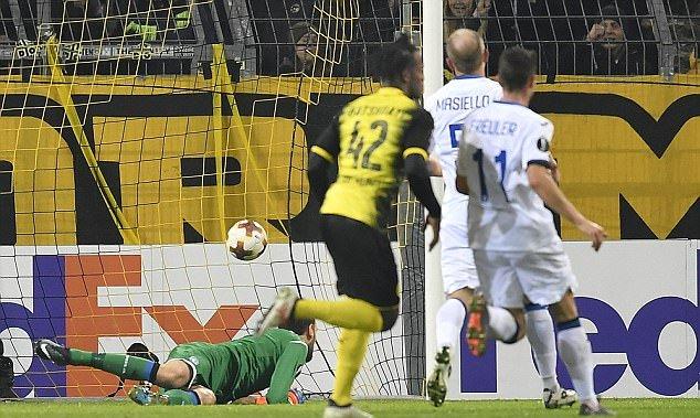 Michy Batshuayi lập cú đúp, Dortmund ngược dòng đánh bại Atalanta - Bóng Đá