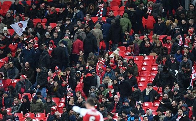 Qua 10 năm, Arsenal đã tệ lại càng tệ hơn - Bóng Đá