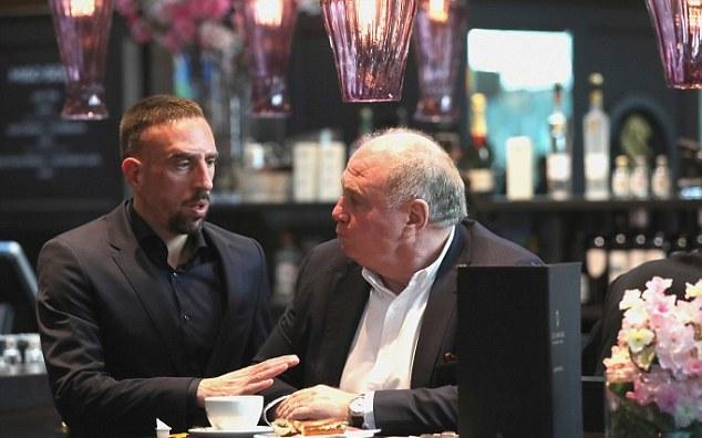 James Rodriguez cùng dàn sao Bayern bảnh bao trên đất Thổ Nhĩ Kỳ - Bóng Đá