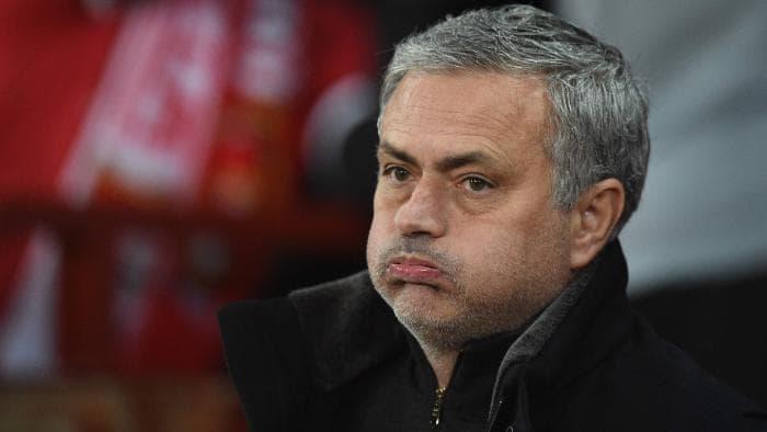 Frank de Boer đáp trả Mourinho: Chi nhiều, chả được bao nhiêu - Bóng Đá