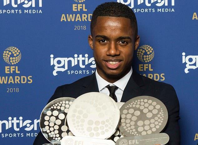 'Thần đồng' Fulham giành 5 giải thưởng cá nhân ở giải hạng Nhất Anh - Bóng Đá