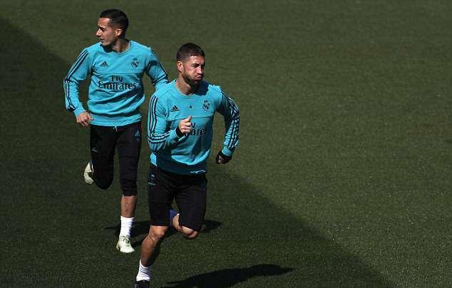 Cơ đùi Ronaldo như muốn nứt ra khi tập luyện - Bóng Đá