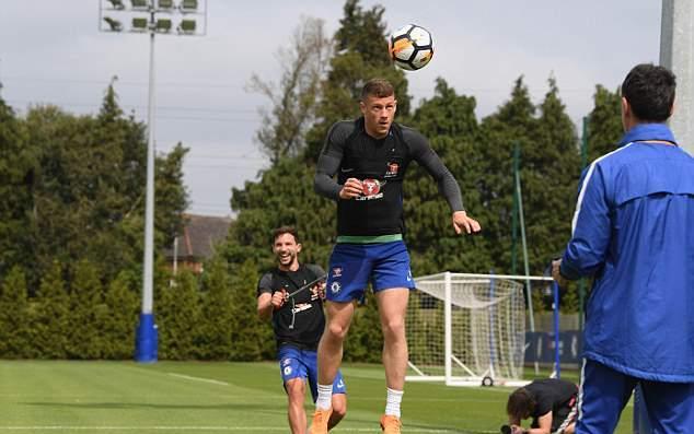 Chelsea tập bài lạ, quyết hạ Man Utd - Bóng Đá