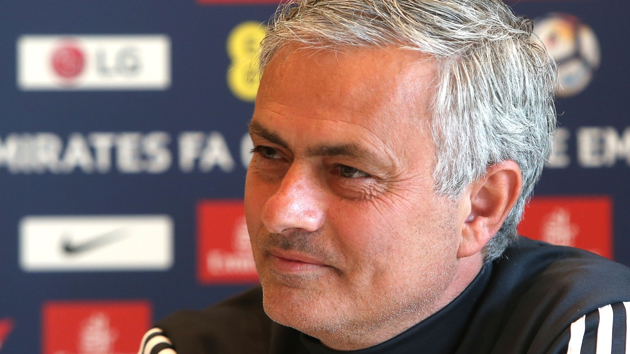Đối thoại với Jose Mourinho: Đừng nghĩ thắng 6-0 là giải trí - Bóng Đá