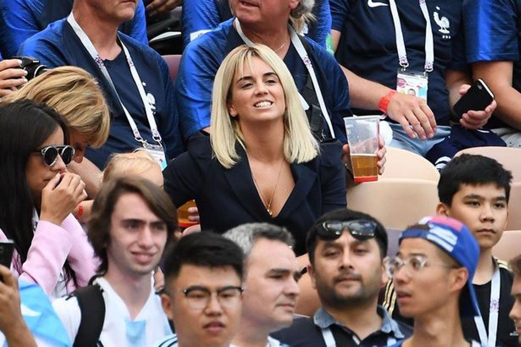 Bạn gái siêu HOT của Pogba sang Nga cổ vũ cho tuyển Pháp - Bóng Đá