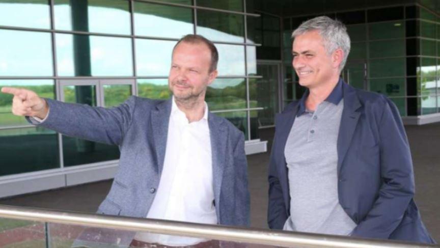 Ed Woodward bị Mourinho chỉ trích sau ngày khai màn Ngoại hạng Anh - Bóng Đá