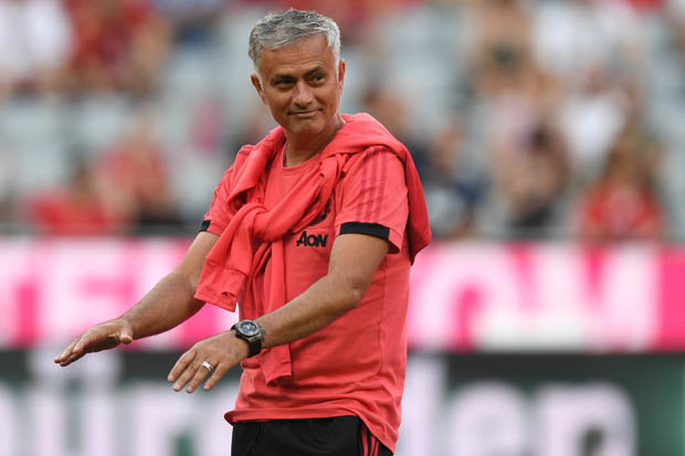 Mourinho chỉ ra cầu thủ xin được vắng mặt ở trận Leicester City - Bóng Đá