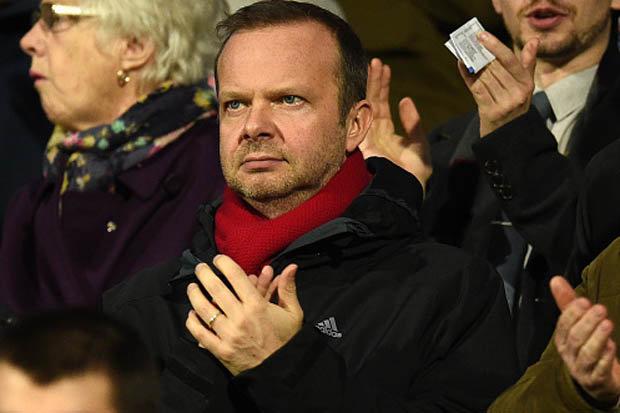 Ed Woodward nên chọn Mourinho, hay nghe theo Pogba? - Bóng Đá
