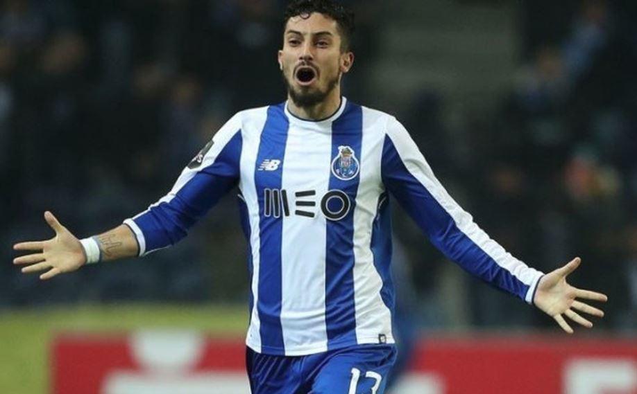 Để 'cứu' Mourinho, Man Utd phải 'trải thảm đỏ' đón rước sao Porto - Alex Telles - Bóng Đá