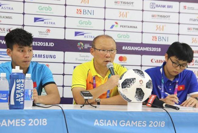 Sao U23 Việt Nam bị chê bai, HLV Park Hang-seo phải lên tiếng bênh vực - Bóng Đá