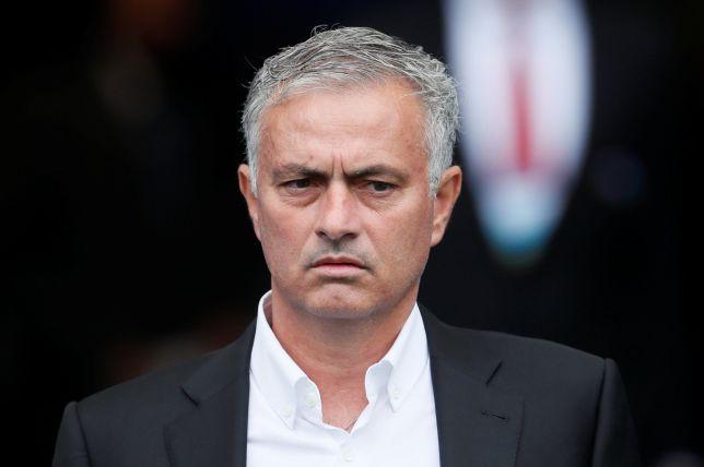 HLV Mourinho làm điều khó tin với các cầu thủ sau trận thua Brighton - Bóng Đá