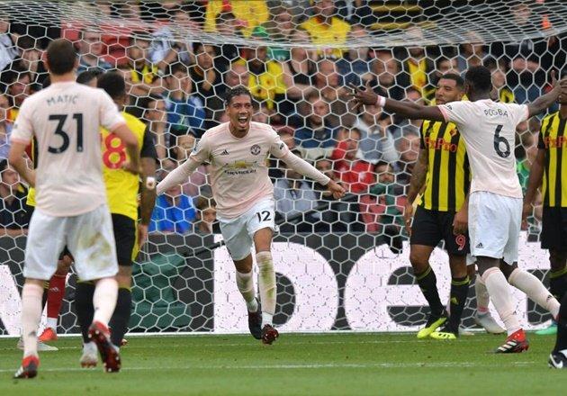 Jose Mourinho hé lộ điều ông không thích ở Smalling - Bóng Đá