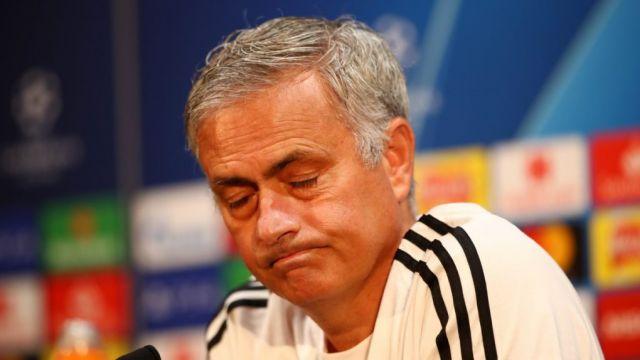 Đến đội bóng hạng Nhất cũng troll Man Utd và Mourinho - Bóng Đá
