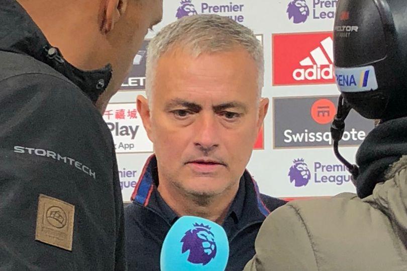 Mourinho hé lộ thông điệp từ ban lãnh đạo Man Utd - Bóng Đá