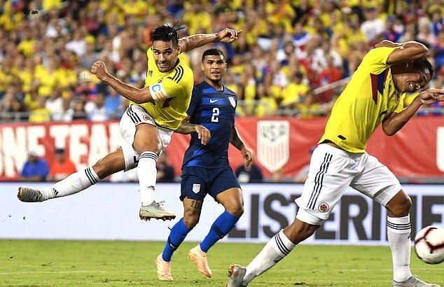 Rodriguez vẽ đường cong không thể tưởng tượng giúp Colombia đánh bại Mỹ - Bóng Đá