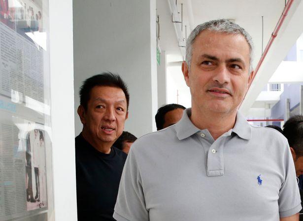 Quyết mua lại Man Utd, tỉ phú Singapore tìm cách đẩy Mourinho 'ra đường' - Bóng Đá