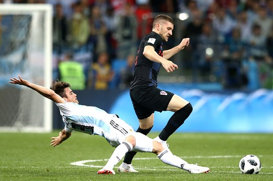 Lí do thôi thúc Mourinho chiêu mộ Perisic và Rebic - Bóng Đá