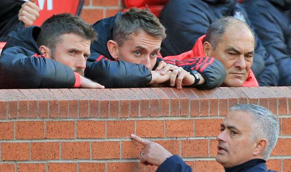 Để thắng Chelsea, Mourinho phải đụng đến cầu thủ không thể đụng đến - Bóng Đá