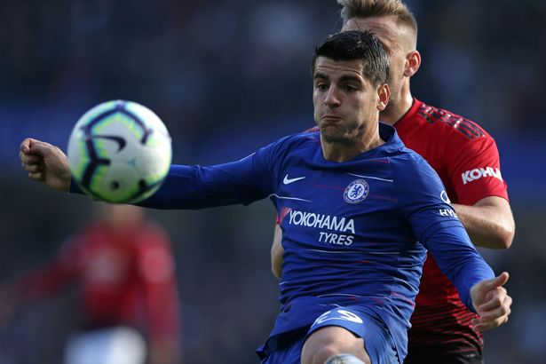 Willian và Hazard bị tố không muốn chuyền cho Morata - Bóng Đá