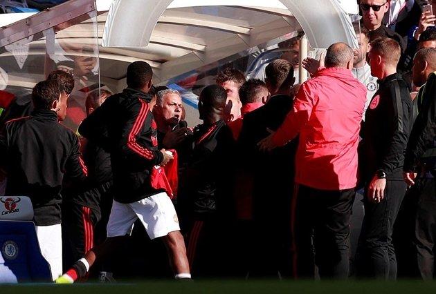 Mourinho đổ lỗi trọng tài - Bóng Đá