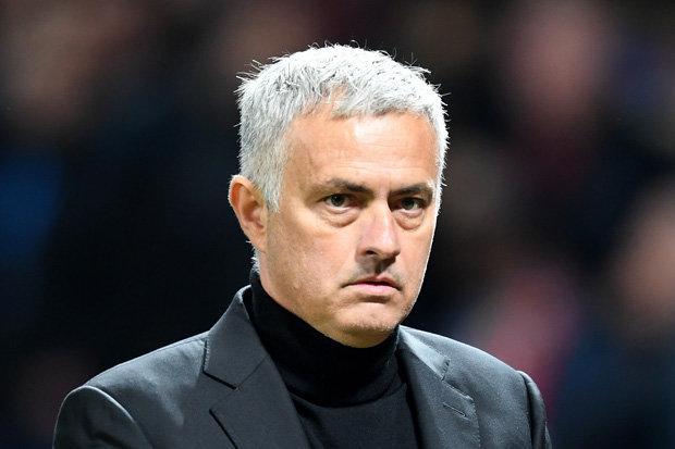 Mourinho gửi đề nghị gây sốc tới nhà Glazer - Bóng Đá