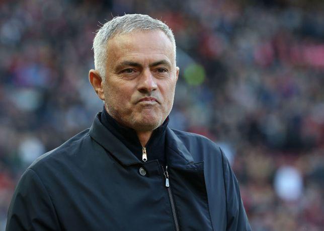 Sau tất cả, HLV Mourinho đã chọn xong trung vệ cần mua - Bóng Đá