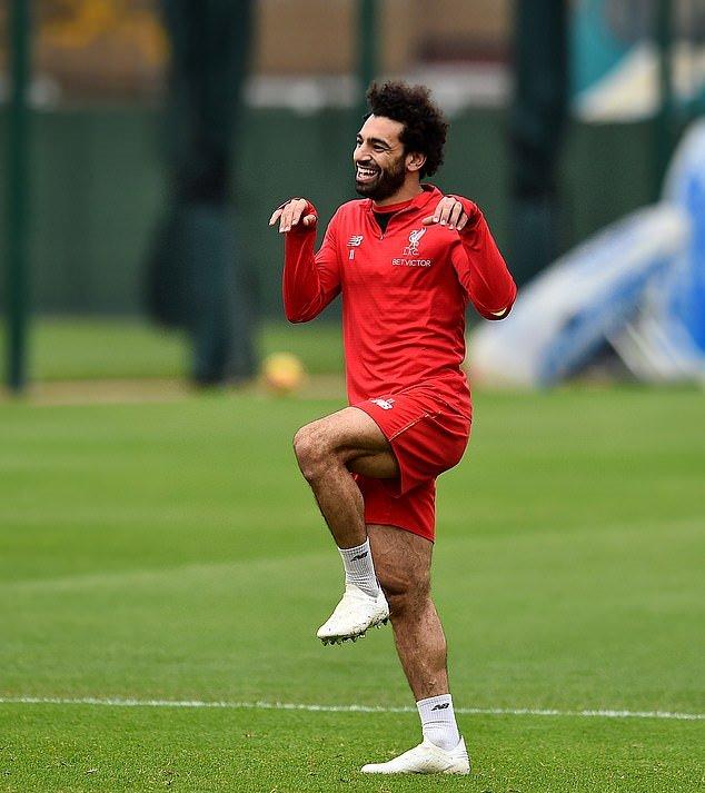 Liverpool tập luyện, Salah làm trò - Bóng Đá