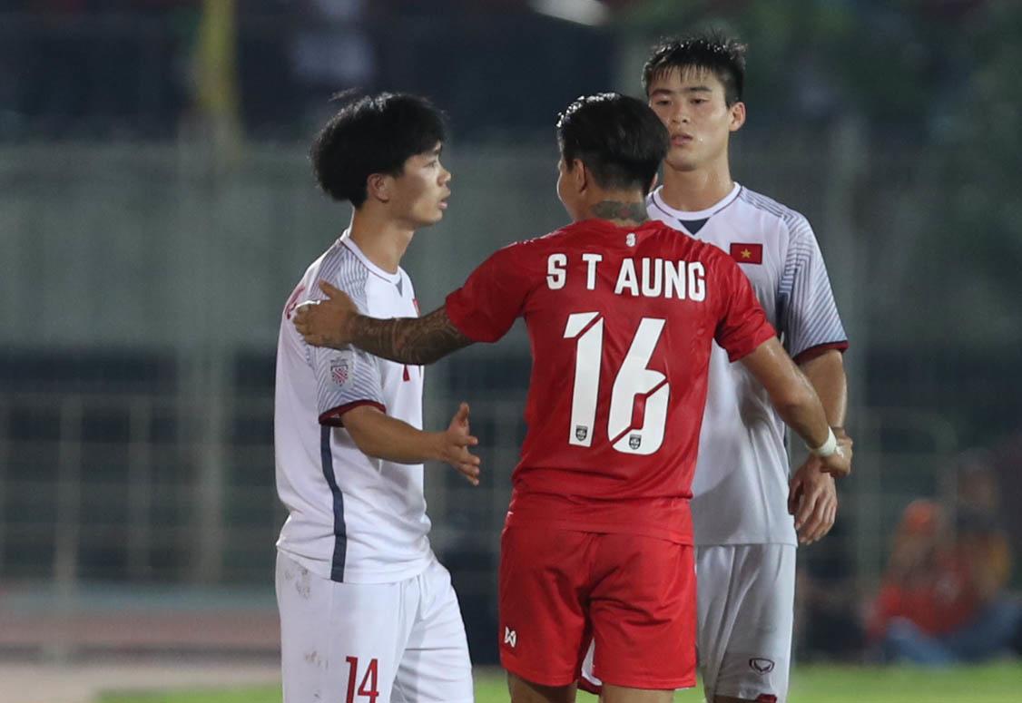 Bên Công Phượng, HLV Park Hang-seo phản ứng cực gắt với đồng nghiệp - Bóng Đá