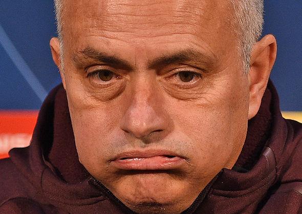 Mourinho: Không chịu được áp lực thì ở nhà - Bóng Đá