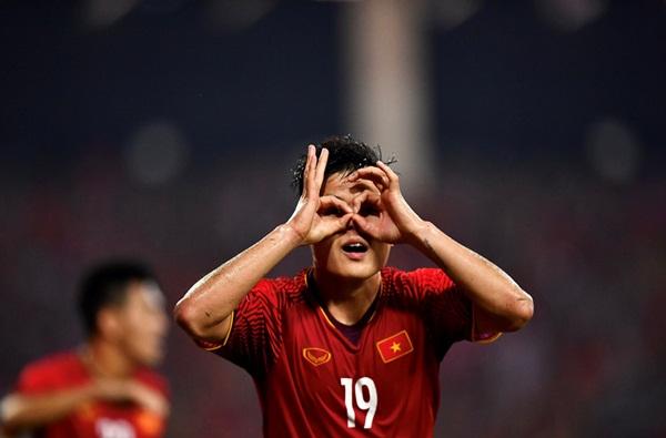 Nóng! Quang Hải lọt vào danh sách đề cử Cầu thủ hay nhất Châu Á 2018 - Bóng Đá