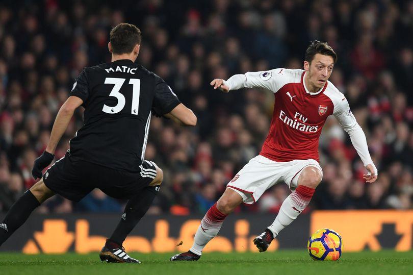 Arsenal midfielder Mesut Ozil 'makes decision on Manchester United transfer' - Bóng Đá