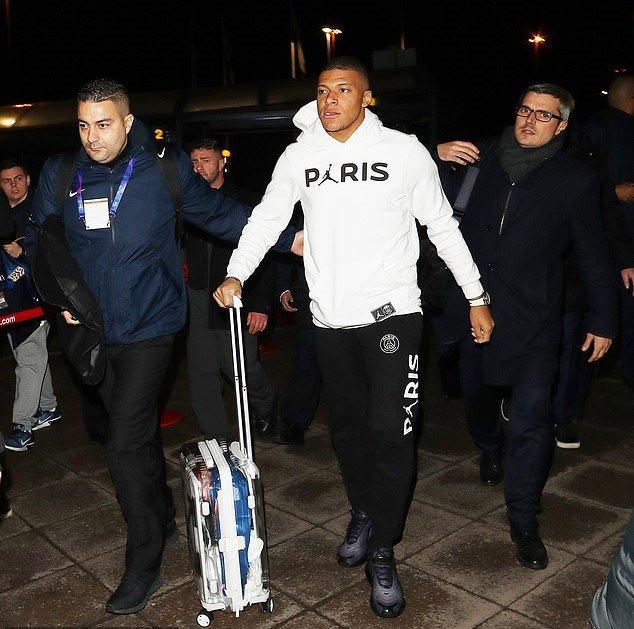 Hạ đẹp Man Utd, Di Maria và Mbappe đầy kiêu hãnh rời nước Anh - Bóng Đá