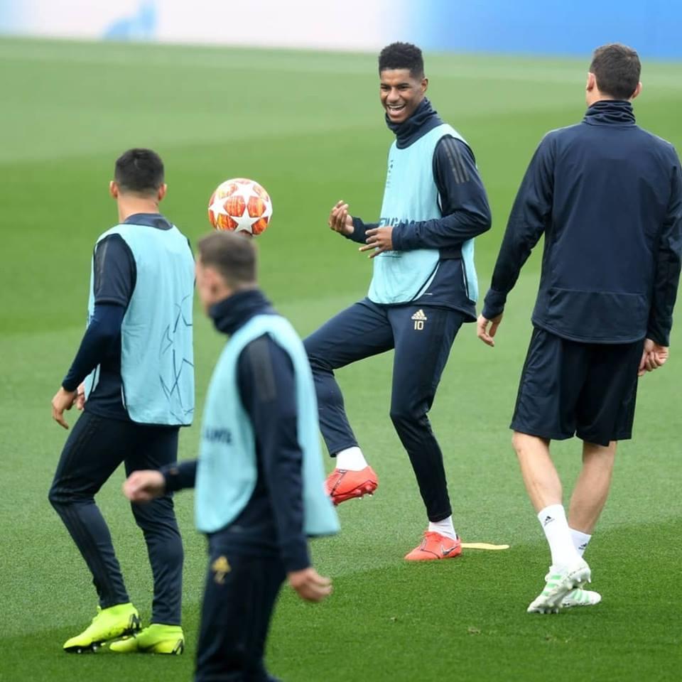 MU tập luyện ở Camp Nou - Bóng Đá