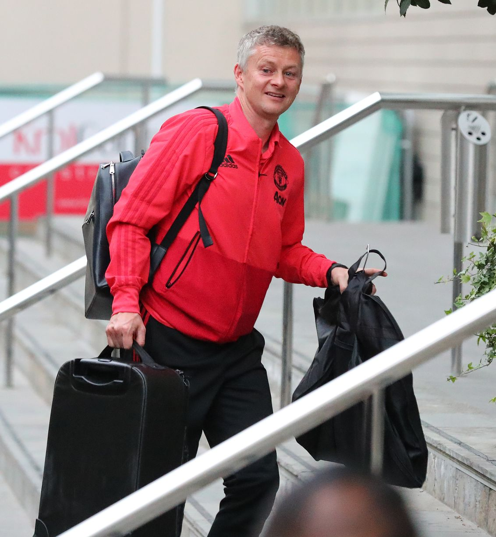 Manchester United vs Huddersfield squad revealed - ảnh - Bóng Đá