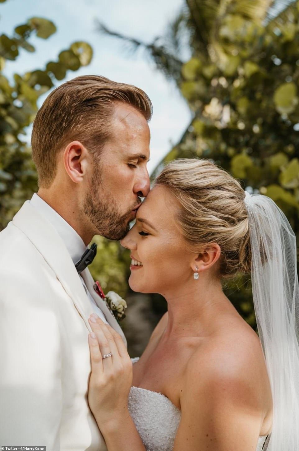 Harry Kane đám cưới - Ảnh - Bóng Đá