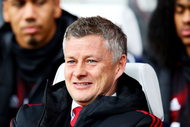 Manchester United expect to sign Bruno Fernandes and Sean Longstaff after Aaron Wan-Bissaka deal - Bóng Đá