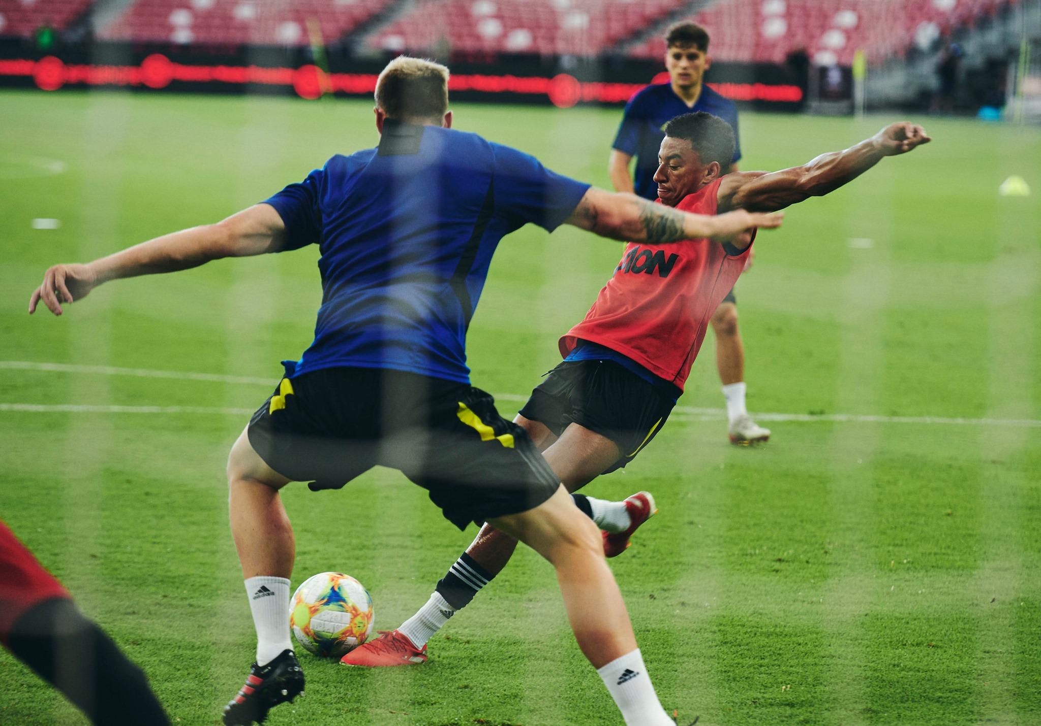 Man Utd tập luyện - Bóng Đá