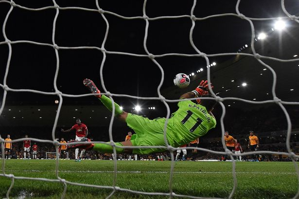 Rashford nói gì khi Pogba xin đá penalty? - Bóng Đá