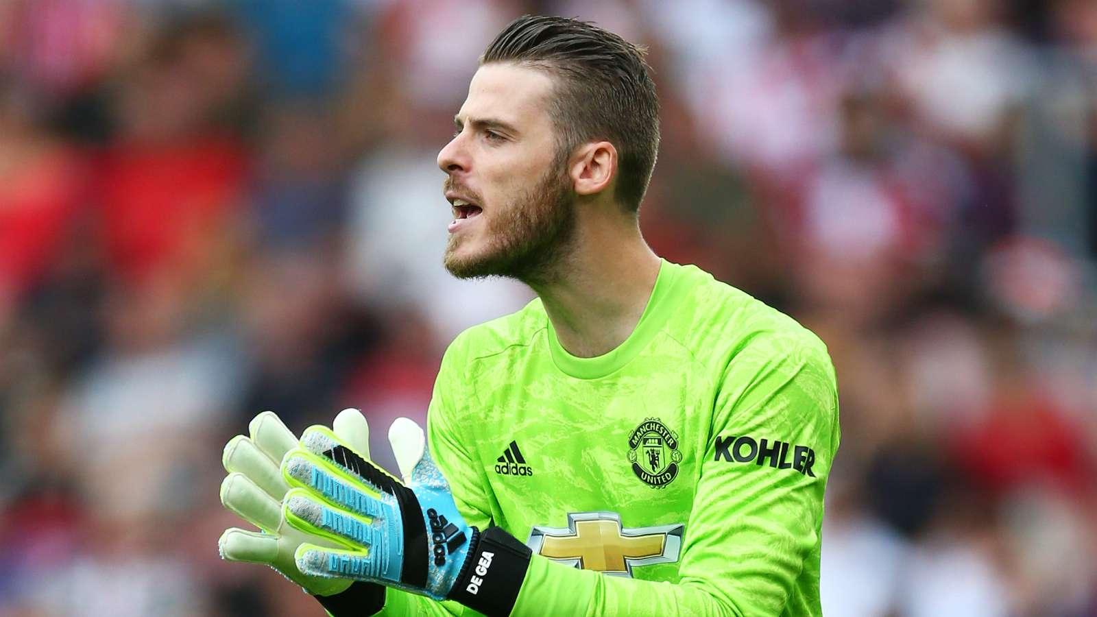 De Gea not irreplaceable if he leaves Man Utd - Van der Sar - Bóng Đá