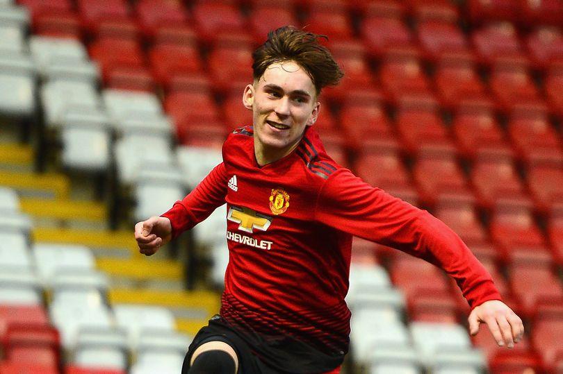 Lincoln City vs Manchester United U21s highlights and reaction as James Garner scores - Bóng Đá
