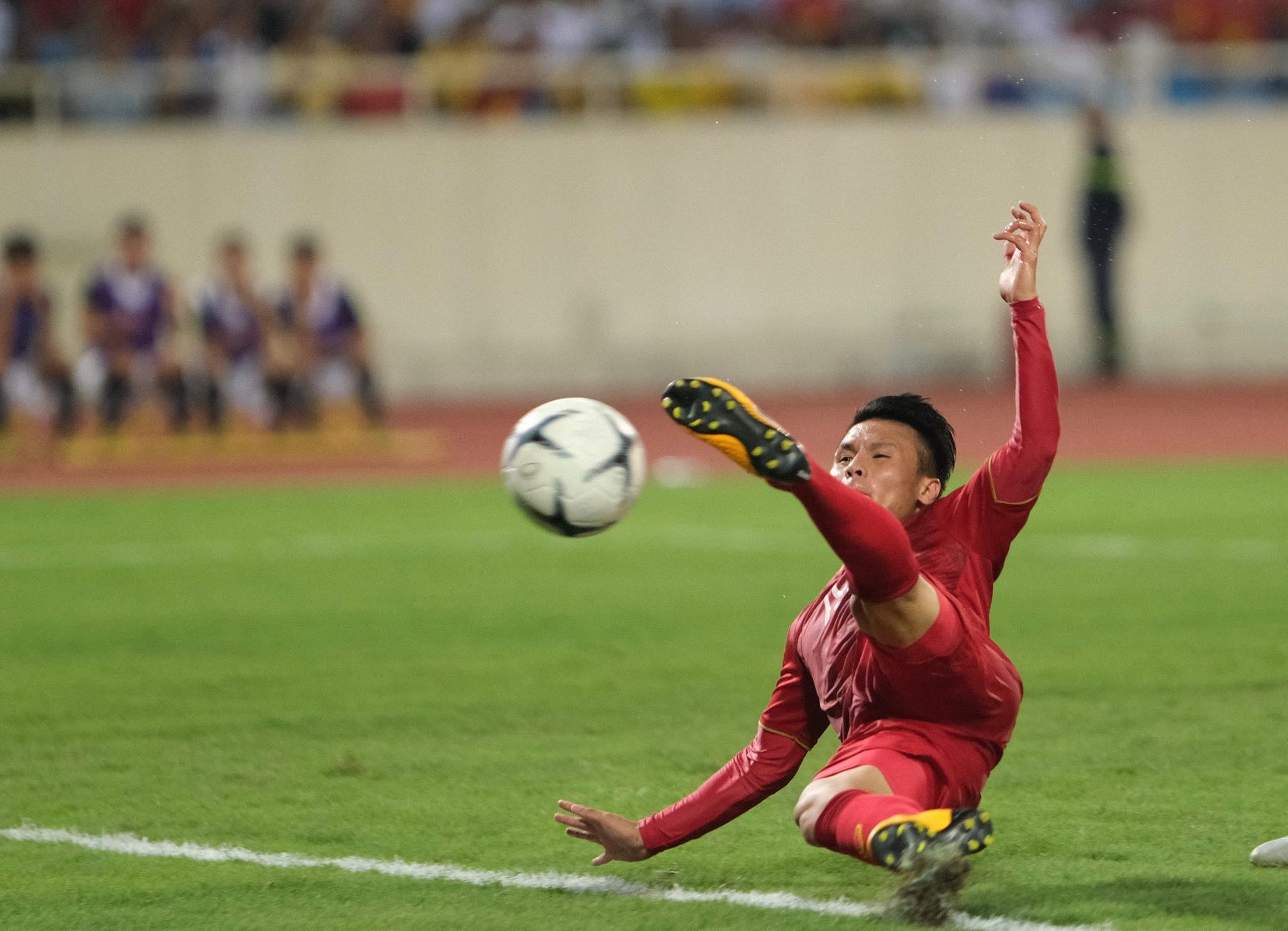 Thủ môn Malaysia khen Quang Hải - Bóng Đá