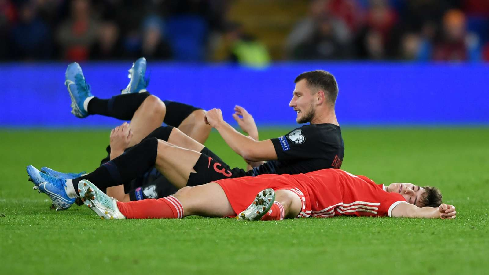 Man Utd winger Daniel James insists he was not knocked out during heavy collision in Wales draw - Bóng Đá