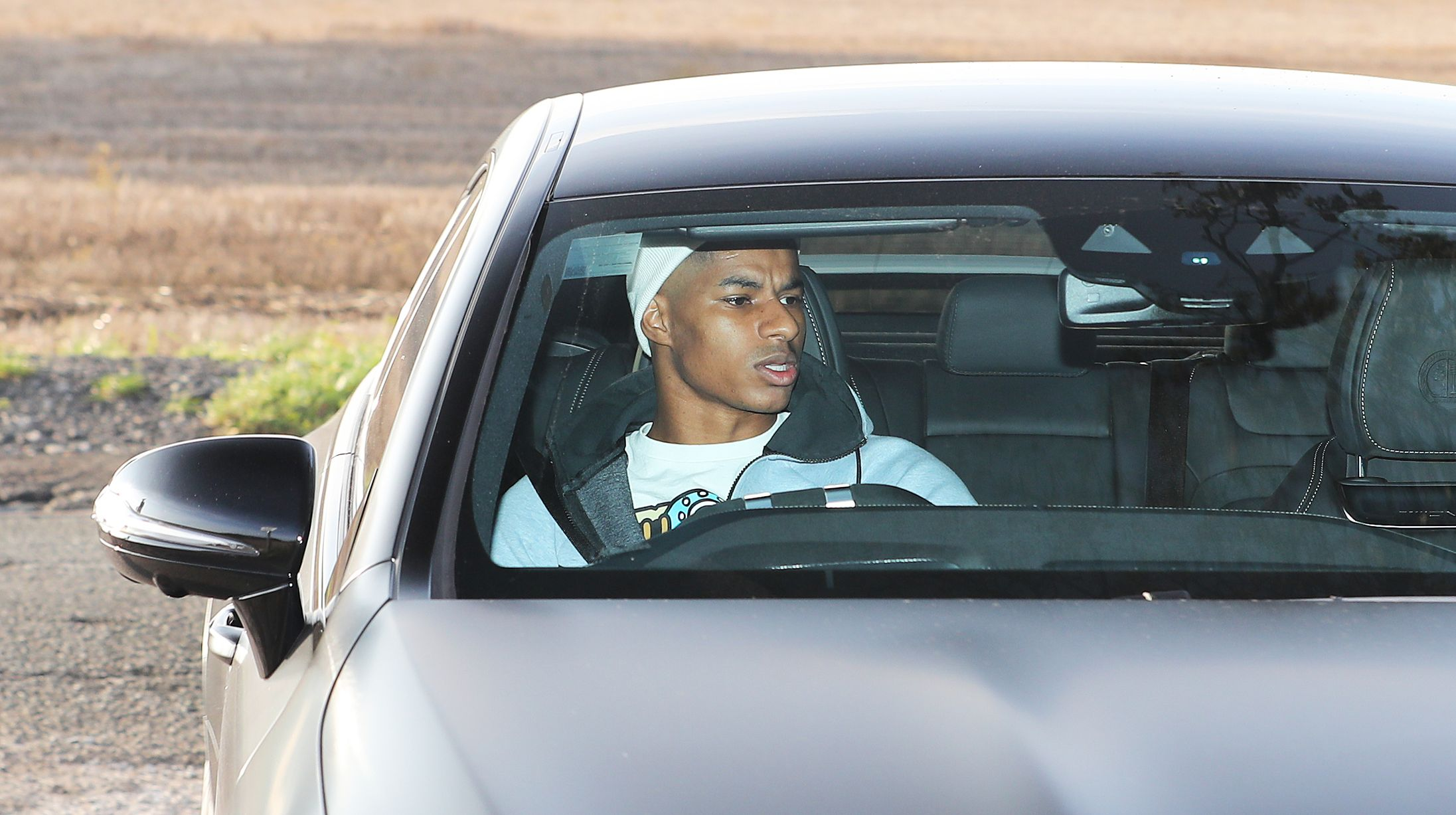 Manchester United players arrive for training after Chelsea win - Bóng Đá